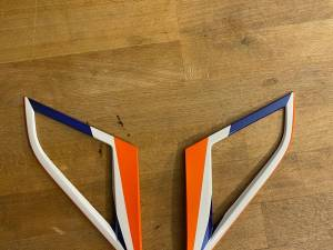 Une paire d'empennages  JR SYE12 orange neuve 55€