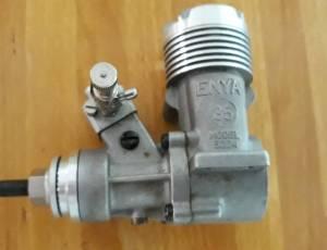 moteur Enya 35 neuf sans silencieux