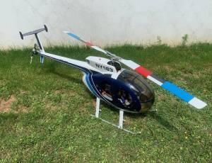 Hughes 500 D, 900 €