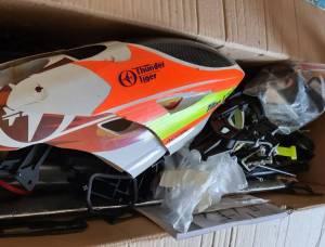 gros lot de pièces détachées thunder Tiger x50