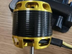 Scorpion hk 40-20 1100kv, 80 €