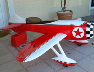 avion GEE BEE R3.  2,14m. neuf