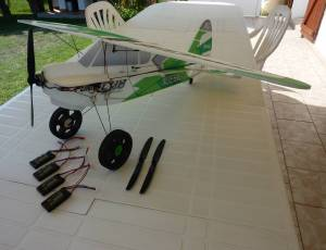 Avion rc super cub PA-18