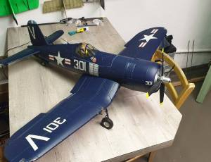 avion corsair FU4