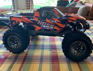 Traxxas Hoss orange